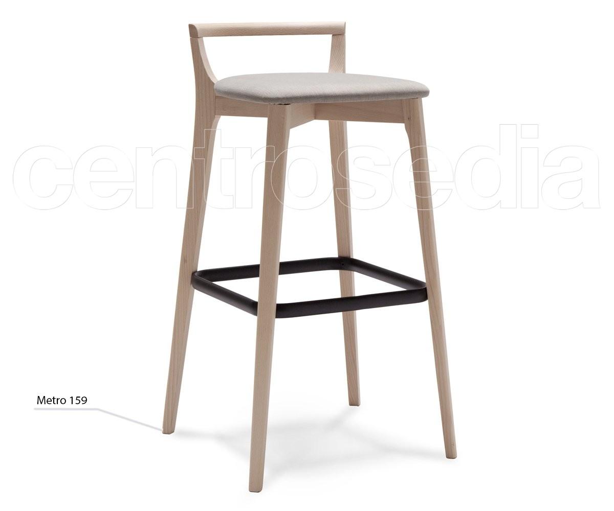 I sedili regolabili di legno cuoio degli sgabelli da bar di